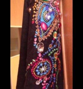 Тёплый джинсовый костюм с воротником из лисы
