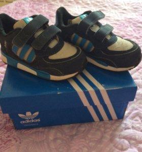 Продам 2 пары обуви