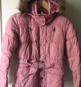 Продаю розовую куртку-пальто для девочки