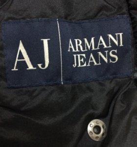 Пуховик Armani женский.