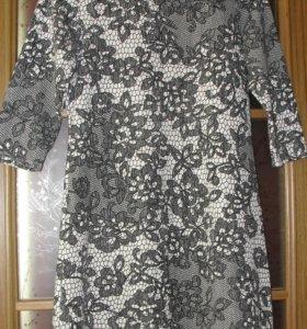 Платье трикотажное с принтом р.44-46