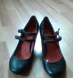Туфли женские б/у.
