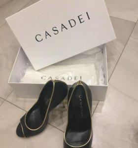 Новые туфли Casadei 37р