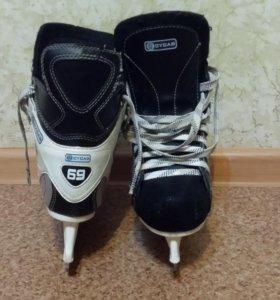 Коньки хоккейные 36 р.