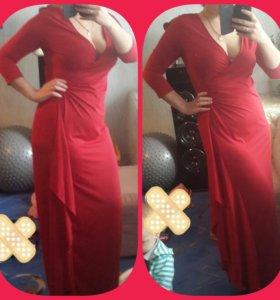 вечерние, праздничные платья в идеальном состоянии