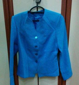 Костюм голубой (пиджак, юбка)