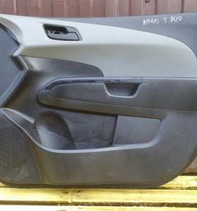 Передние обшивки дверей Шевроле Авео Т300