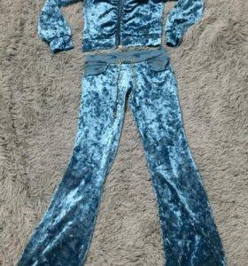 Велюровый костюм