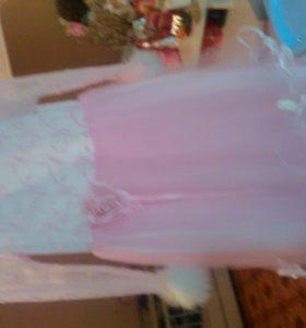 Платьеце праздничное
