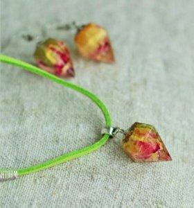 Подвеска кристалл с розой внутри