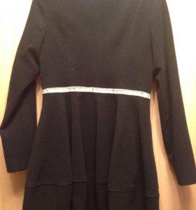 Пальто драповое с блестящей окантовкой на талии