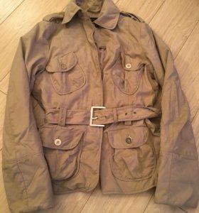 Курточка Zara woman бежевая, милитари М