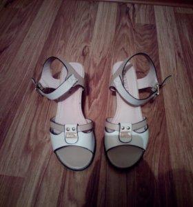 Туфли женские. 36 размер.