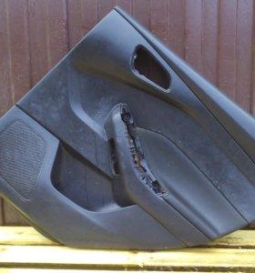 Обшивка двери задняя правая Форд Фокус 3 Focus 3