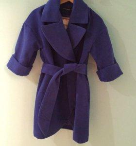 Синее пальто на весну