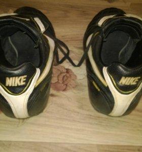 Nike tiempo est 1894
