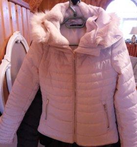 Куртка бежевая размер 40-42