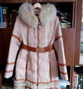 Пуховик женский зимний. Размер 48.