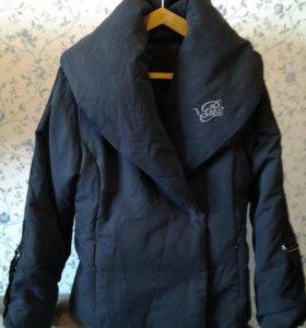 Куртка зимняя.  размер S. состояние новой.