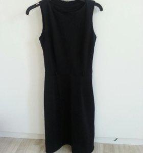 Маленькоее черное платье 40-42