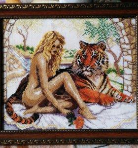 """Вышивка крестом ручной работы """"Девушка с тигром"""""""