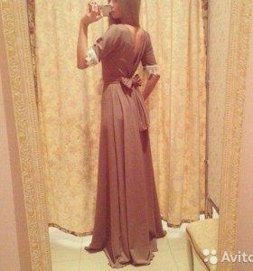 Бежевое вечернее платье в пол Золотой песок