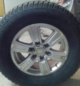 Продам зимние шины нокиан с дисками