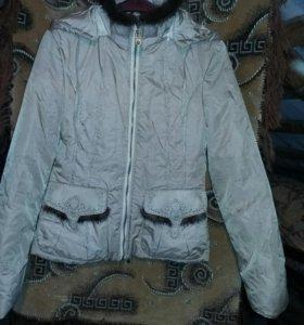 Курточка женская в хорошем состоянии