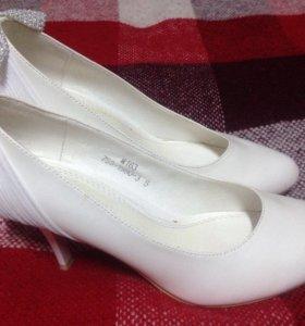 Туфли белые р.36