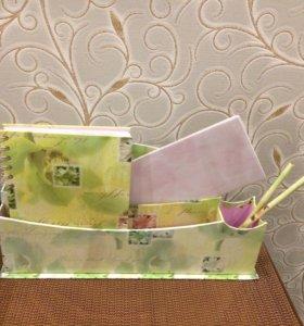Блокнот 📝 ,карандаши, .бумаги и коробка
