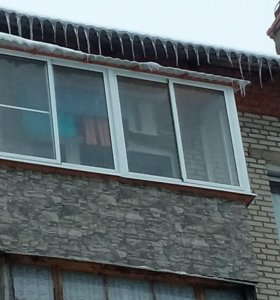 Остекление балконов, отделка.
