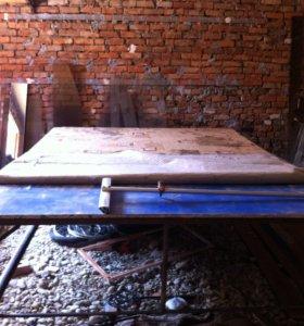 стол для резки стекла и швабра