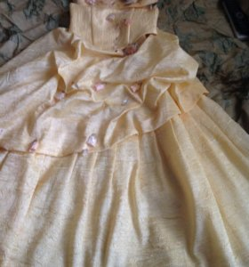 Очень оригинальное платье на выпускной