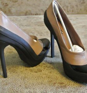 Новые туфли р39