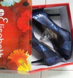 Туфли 38 размер с паетками