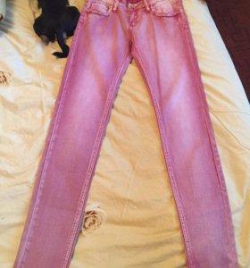 Новые модные джинсы