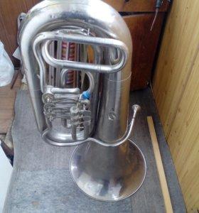 Труба бас , в хорошем состоянии