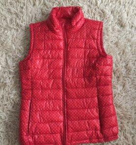 Тёплая куртка - безрукавка