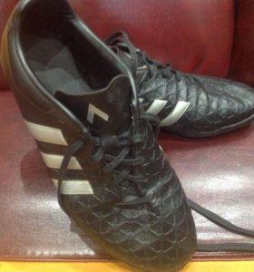 Бутсы Adidas р.40 футбольные