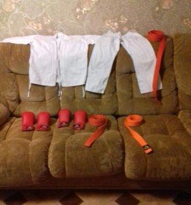 Кимано,перчатки для карате,оранжевые пояса