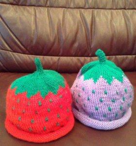 Детские шапочки ежевичка и клубничка