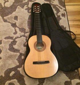 Гитара маленькая. HOHNER