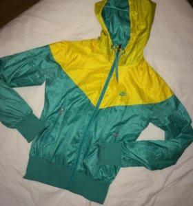 Спортивная кофта ветровка женская Nike