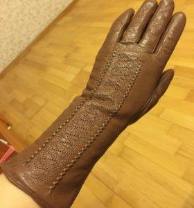 Кожаные перчатки Poulalin