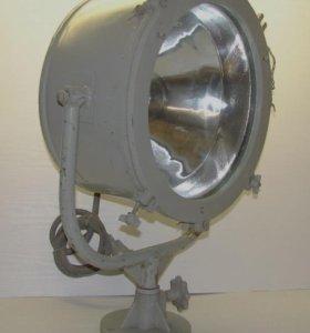 Продам 2 Прожектора Судовых (Карабельных)