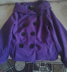 Пальто фиолетово,