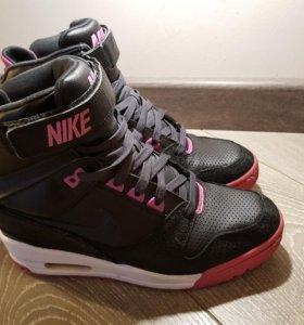 Кроссовки Nike оригинал, 40.5 р-р.
