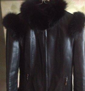 Зимняя кожаная куртка с натуральным мехом!