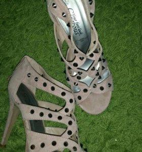 Босоножки/туфли new look