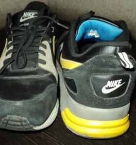 Кроссовки б/у Nike